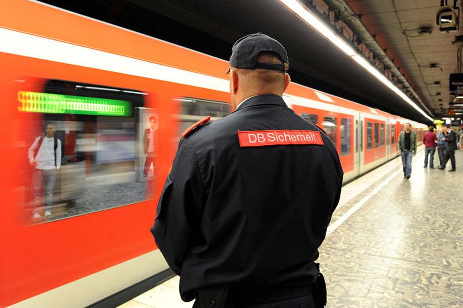 Dieser Zugbegleiter macht Sprayern einen Strich durch die Rechnung