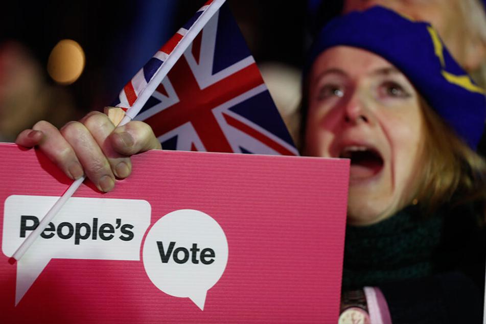 Den ganzen Tag protestierten die Menschen in London gegen den Brexit.