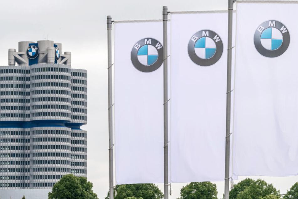 Der Münchner Autobauer BMW arbeitet in Zukunft mit Jaguar zusammen.