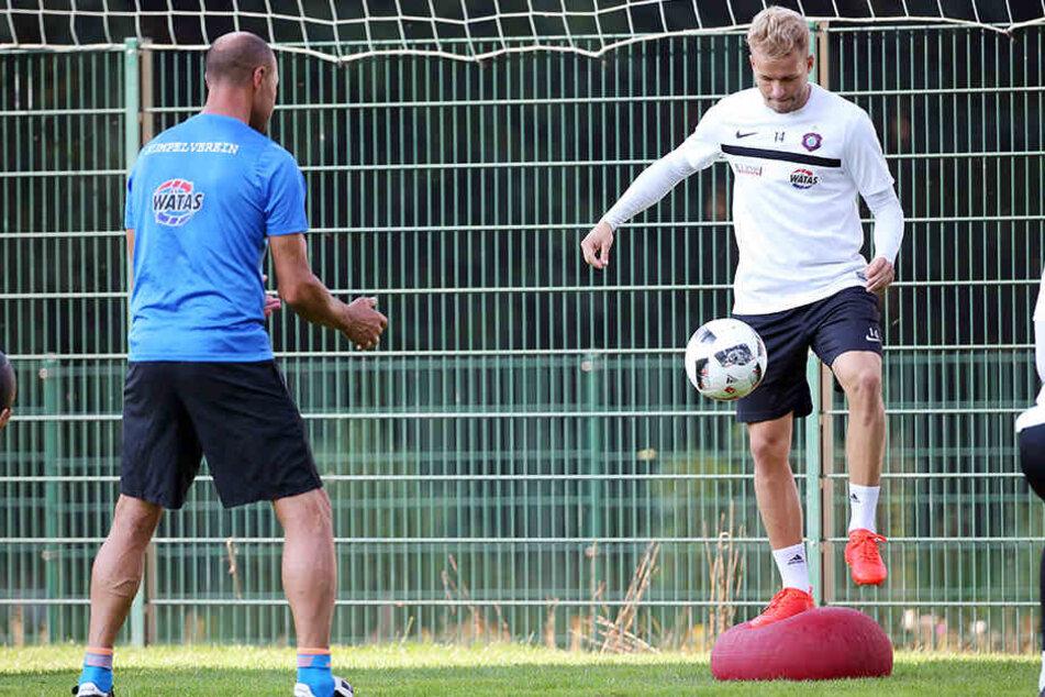 Die Chancen, dass Pascal Köpke (r.) am Sonntag auflaufen kann, stehen gut.