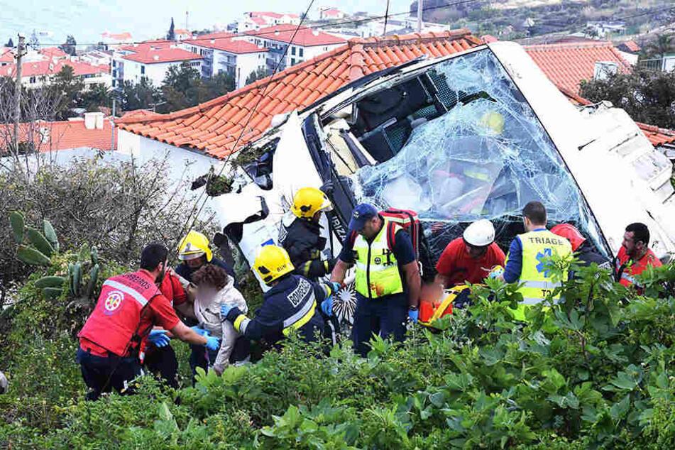 29 Menschen sterben bei Busunglück auf Madeira: Alle Opfer aus Deutschland!