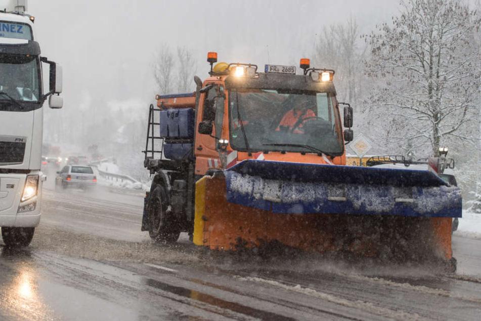 Winterwetter sorgt für Unfälle, Verspätungen und Ausfälle