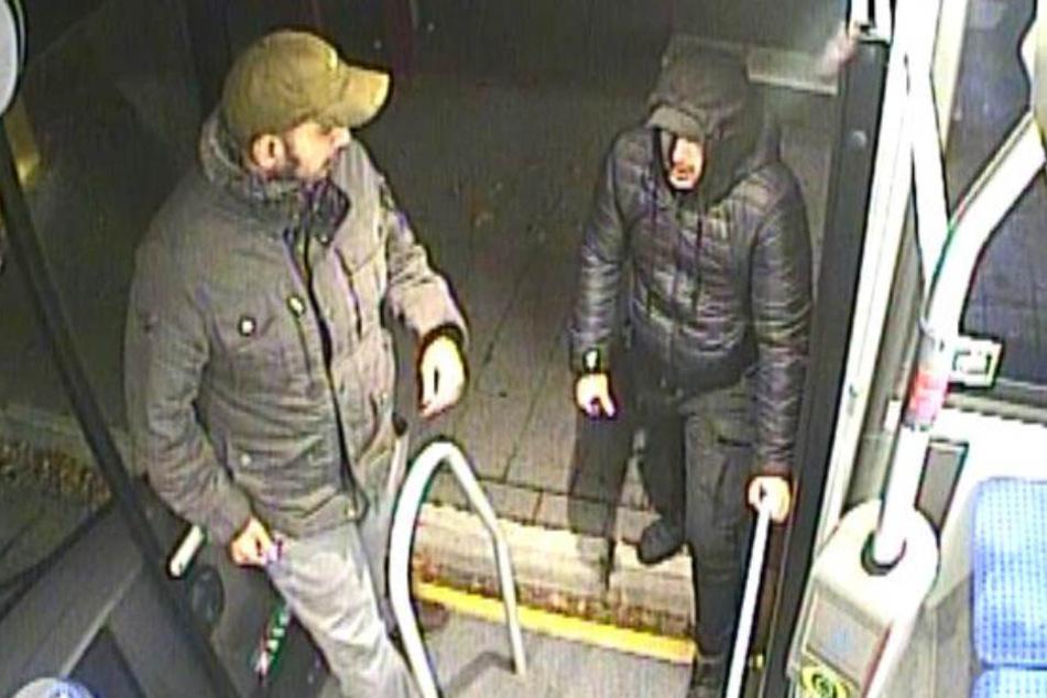 Sie wollten einen Busfahrer ausrauben: Wer kennt diese beiden Männer?