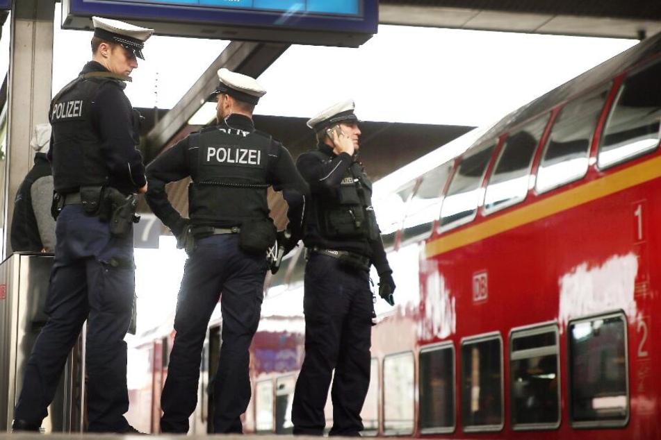 Am Bremer Hauptbahnhof endete der Trip der beiden Kids. (Symbolbild)