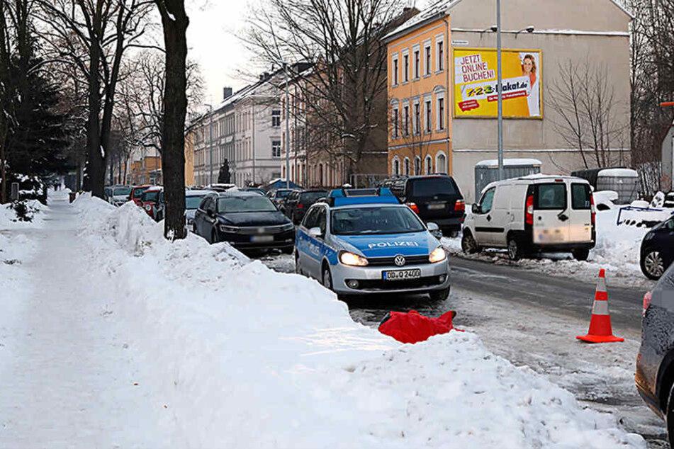 Am Montagmorgen fanden Passanten im Stadtteil Kapellenberg eine leblose Person.