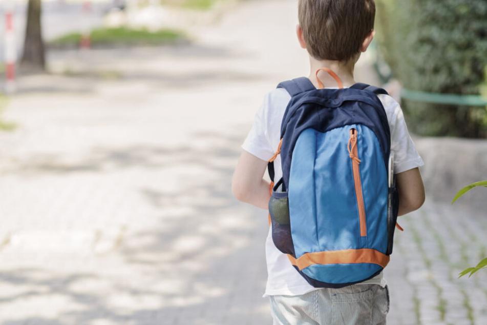Bub (9) auf Schulweg missbraucht: Urteil gegen 25-Jährigen gefallen!