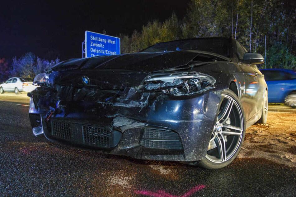 Der BMW war mit voller Wucht auf ein Hängergespann geknallt.