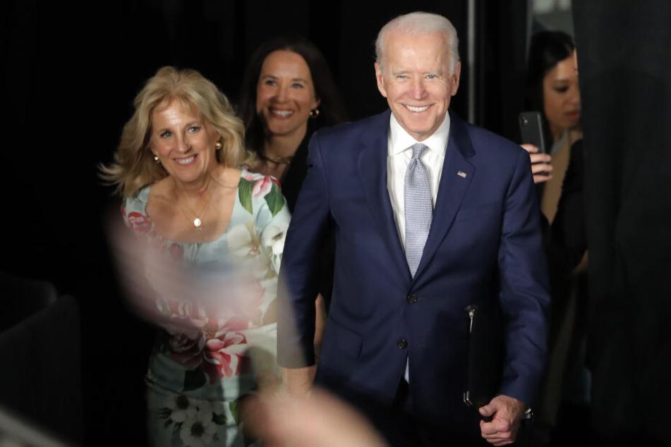 Joe Biden (77) mit seiner Frau Jill Biden. (Archivbild)
