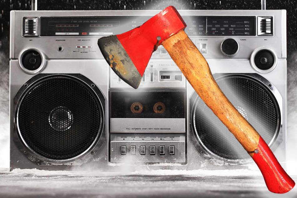 Wegen zu lauter Musik! Mann erschlägt Mitbewohner mit Axt