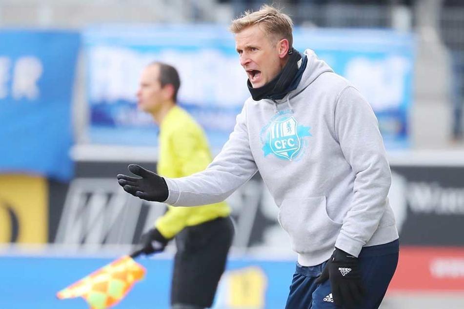 CFC-Trainer David Bergner schimpfte wie ein Rohrspatz, weil seine Mannschaft den sicher geglaubten Heimsieg noch in Gefahr brachte.