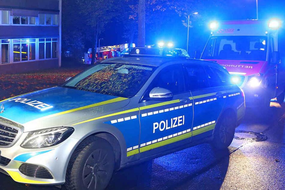 In Hamburg hat die Polizei einen bewaffneten Mann erschossen.