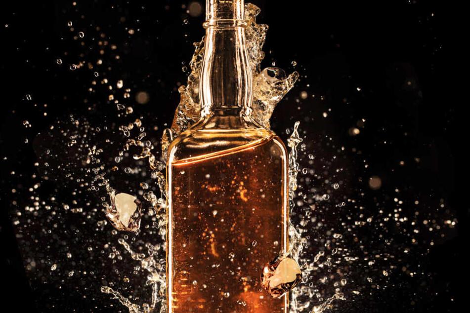 Der Täter verlangte eine Flasche Whisky.