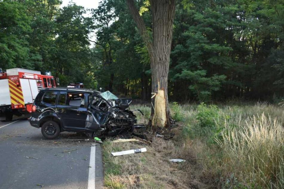 Bei einem Unfall am Montagmorgen ist ein 57-Jähriger VW-Fahrer verstorben.