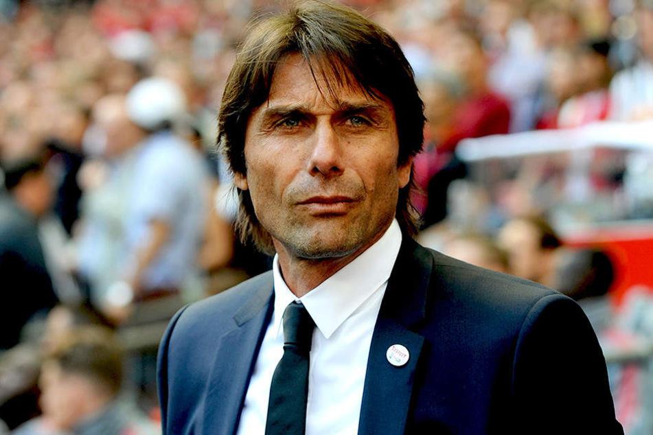 Ex-Chelsea-Coach Antonio Conte wird als Nachfolger gehandelt.