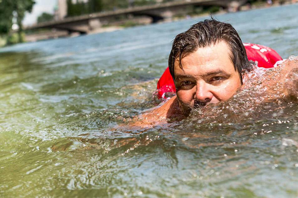 Schluss mit Bus und Bahn: Dieser Mann schwimmt jeden Tag auf Arbeit