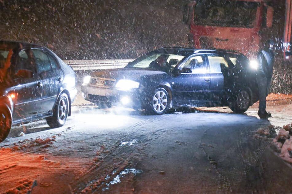 Chaos auf Sachsens Straßen: Zehn Zentimeter Neuschnee in fünf Stunden