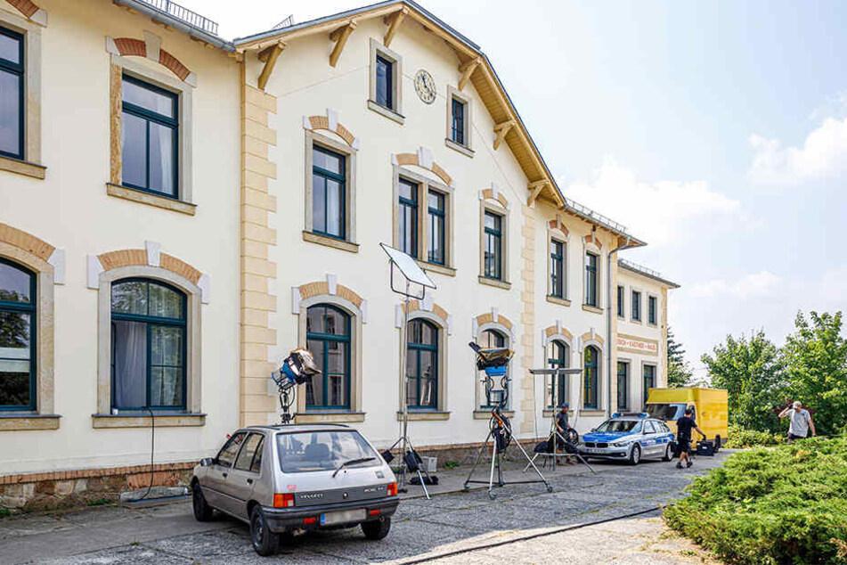Tatort ist ein ehemaliges Kinderheim am Rande von Moritzburg. Etwa die Hälfte des Films wird in und um das Gebäude spielen.