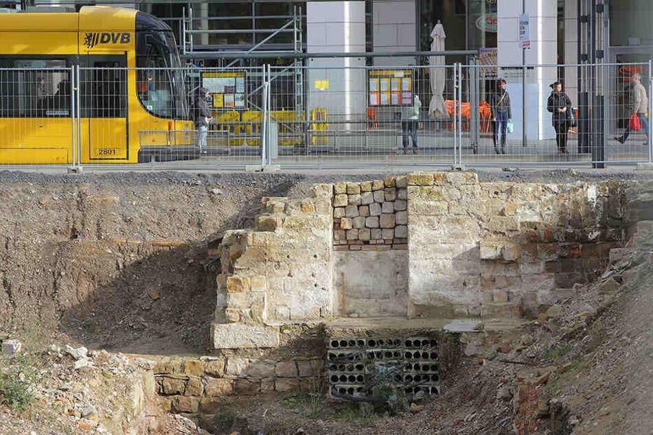 Sind diese alten Stadtmauern erhaltungswürdig? Noch laufen die Gespräche  dazu.