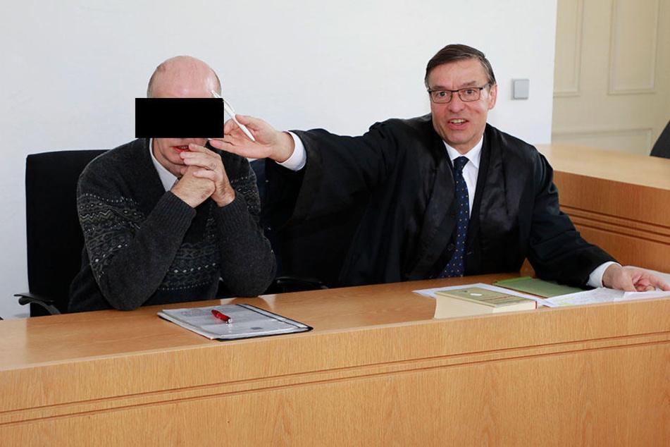 André R. (53) stand jetzt vor Gericht, weil er Geld von seiner Ex-Frau forderte.