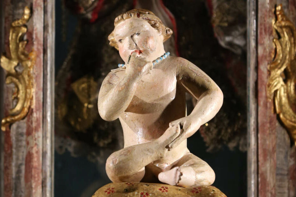 Das wohl älteste bekannte Christkind der Welt ist im Krippenmuseum Mindelheim ausgestellt. (Archiv)