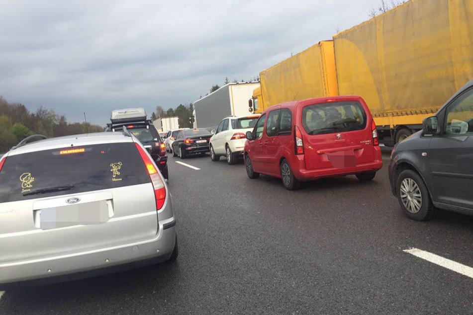 Auf der A4 geht am Autobahndreieck Nossen so gut wie nichts mehr.