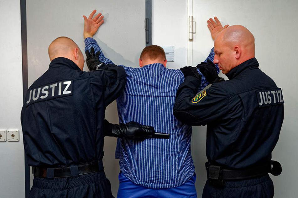 Regelmäßig abgefragt wird auch die Auslastung der sächsischen Gefängnisse. So kommt raus, dass sie oft überlegt sind.