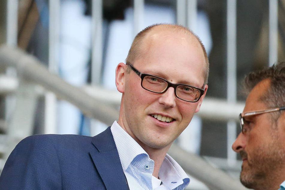 Vorstandssprecher Tobias Leege erläutert die Finanzpolitik.