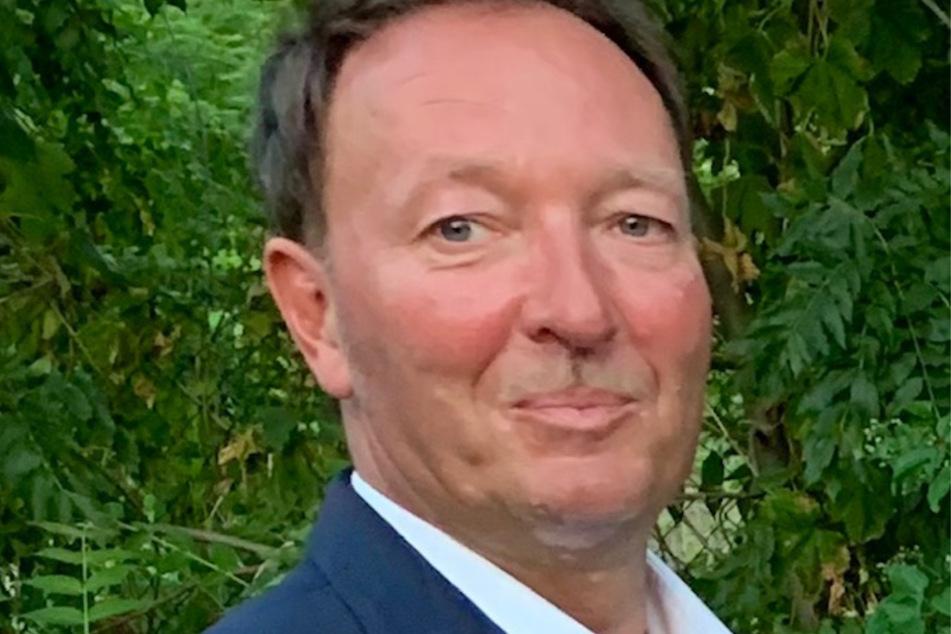 Georado-Vorsitzender Jens Jähnig zollt den technischen und handwerklichen Leistungen der Schrott-Künstler großen Respekt.
