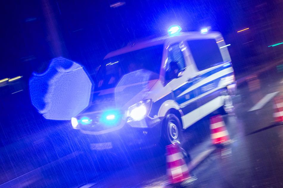 Halsbrecherische Flucht mit Golf: Mann rast mit 220 Sachen über Autobahn