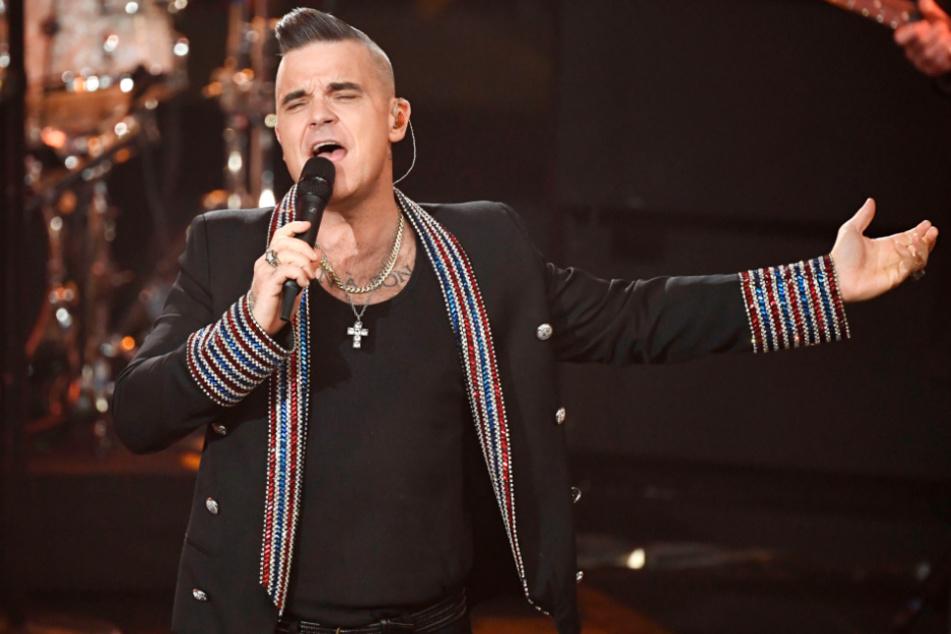 Pop-Sänger Robbie Williams sprach in der Vergangenheit mehrfach über das Thema. Einige seiner Fans befeuern die Gerüchte zusätzlich.