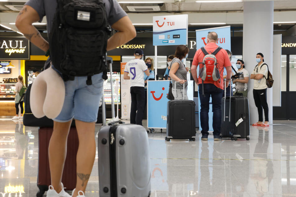 Wer sich nicht benehmen kann, sollte am besten gar nicht erst nach Mallorca fliegen (Symbolbild).