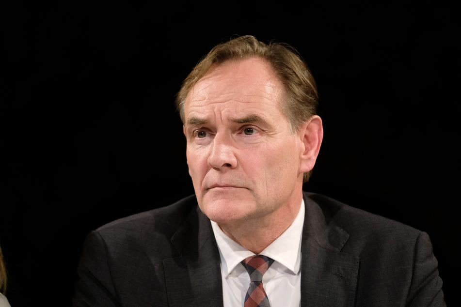 Oberbürgermeister Jung hat den ersten zwei Corona-Toten in Leipzig gedacht.