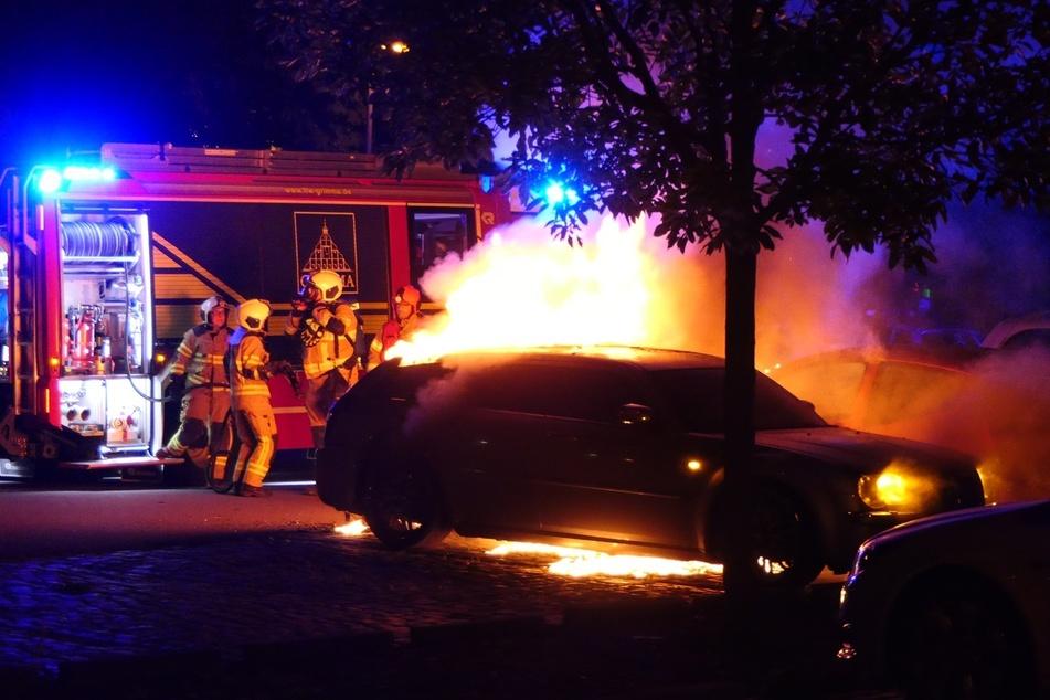 In Grimma ist in der Nacht zu Montag ein Chrysler in Flammen aufgegangen.