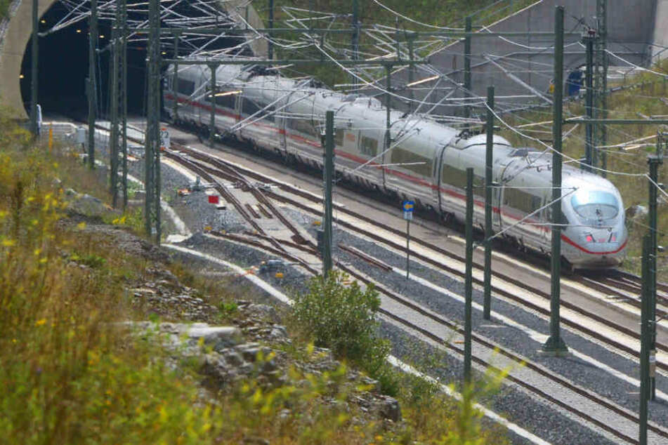 Bahnhof in Erlangen für Stunden gesperrt
