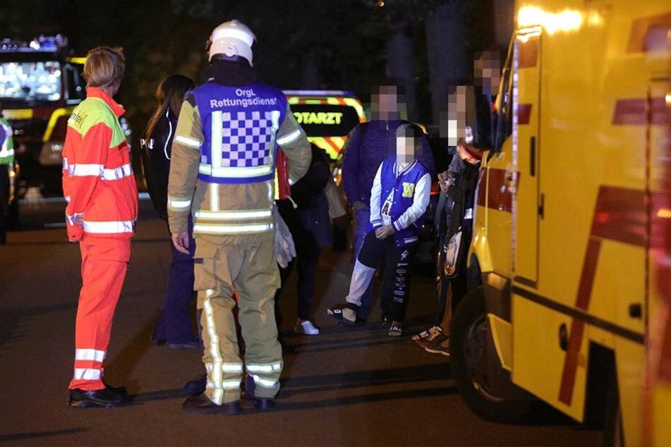 Die Einsatzkräfte konnten 15 Menschen retten und ins Freie bringen.