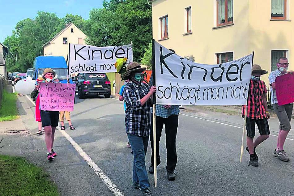 Die Großfamilie fordert den Rücktritt des Vize-Bürgermeisters.