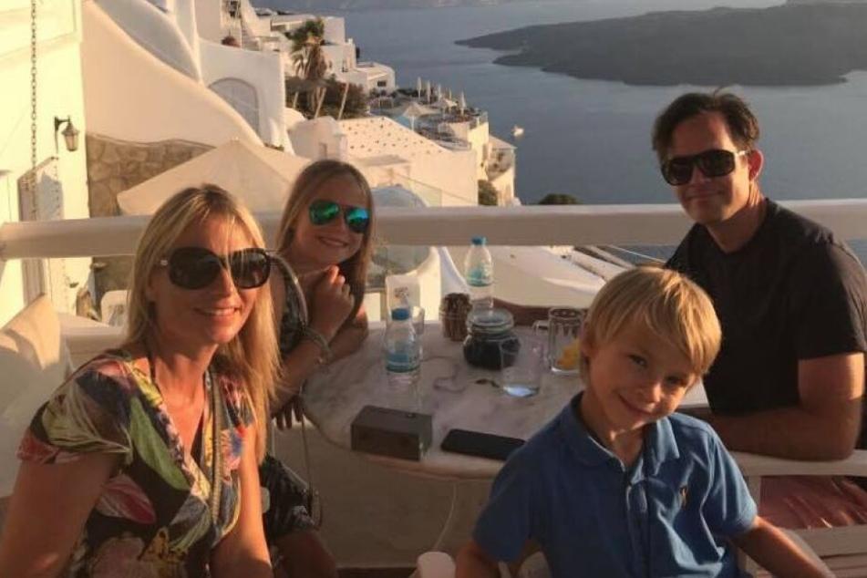Lydia mit ihrer Familie im August 2018 im Urlaub auf Santorini. Nur kurze Zeit später nahm das Drama seinen Lauf.