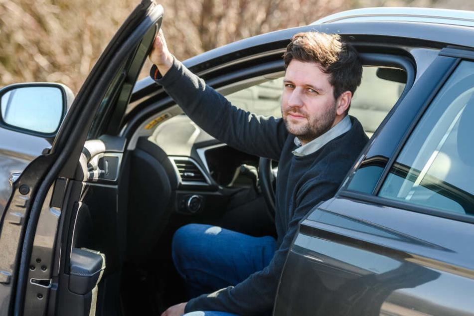 Schnecken-Autobahn: Autofahrer wie Jens Brillinger (32) ärgern sich über das Tempolimit.
