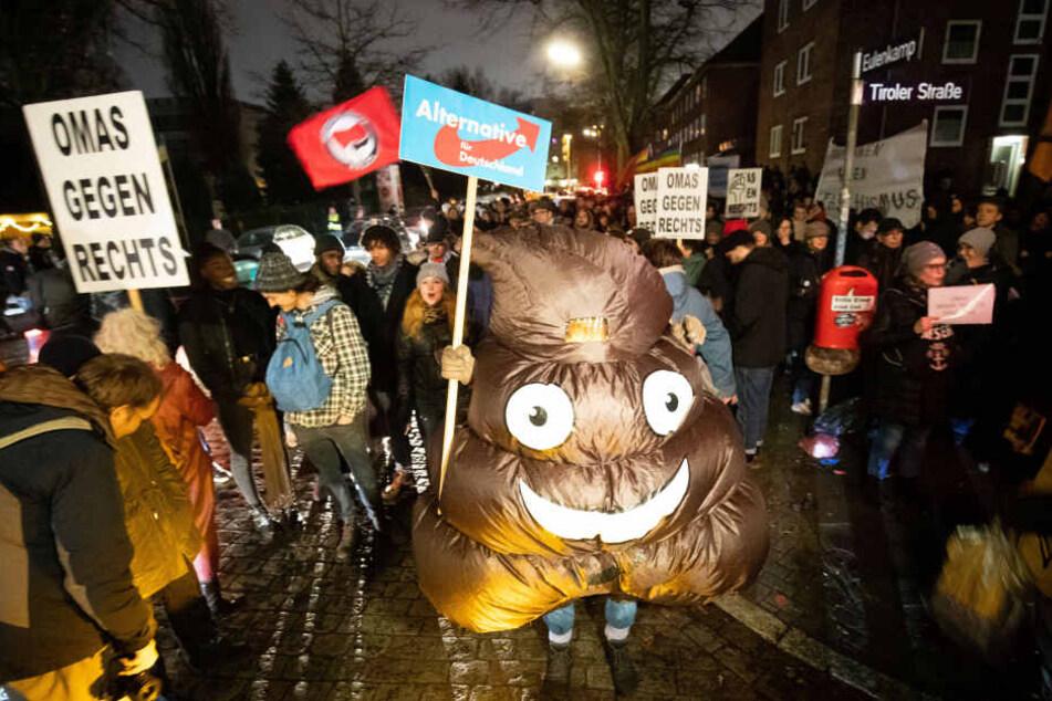 "Auch ""Omas gegen Rechts"" waren Teil des Demonstrationszuges."