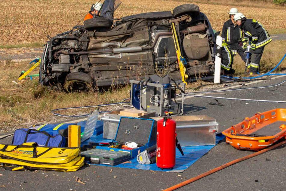 Auf der Staatsstraße 2245 in Bayern hat sich ein schwerer Unfall ereignet.