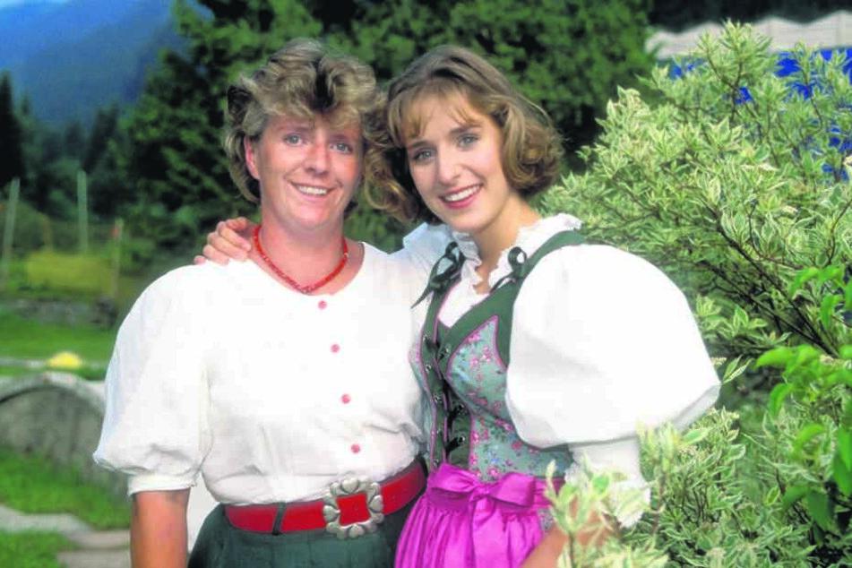 Dieses alte Foto zeigt Stefanie mit Mama Elisabeth.
