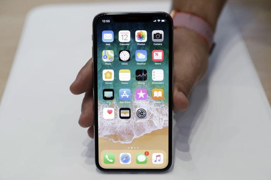 Qualcomm will Apple die Einfuhr von Handys mit seinen Chips verbieten lassen.
