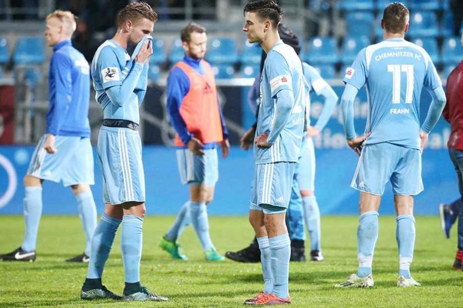 Gegen Fortuna Köln belohnte sich die Mannschaft nicht für ihre tolle Leistung, verlor unglücklich mit 1:2.