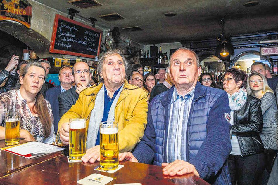 Das ausgezeichnete Foto von den geschockten Gesichtern auf der CDU-Wahlparty.