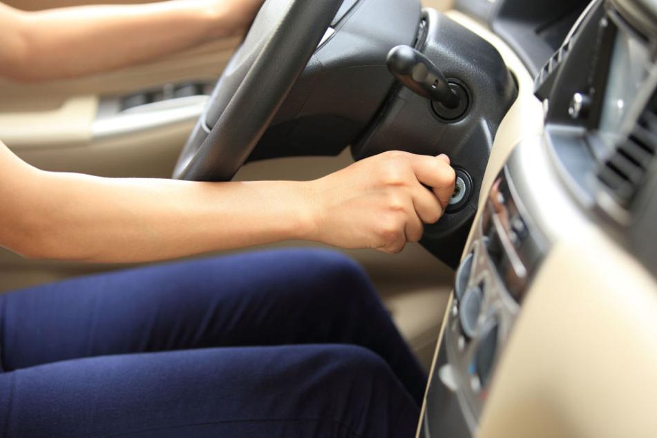 Frau will Auto vorheizen und landet mit schweren Verletzungen im Krankenhaus