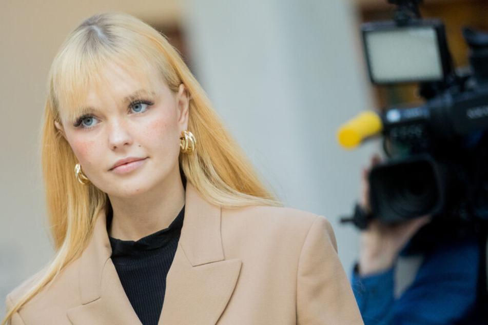 Bonnie Strange (32) wurde vom Düsseldorfer Landgericht zu einer Zahlung von 10.000 Euro Schmerzensgeld verurteilt.