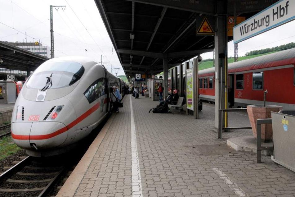 In Würzburg bestieg die Bundespolizei den ICE, um die Sache aufzuklären. (Symbolbild)