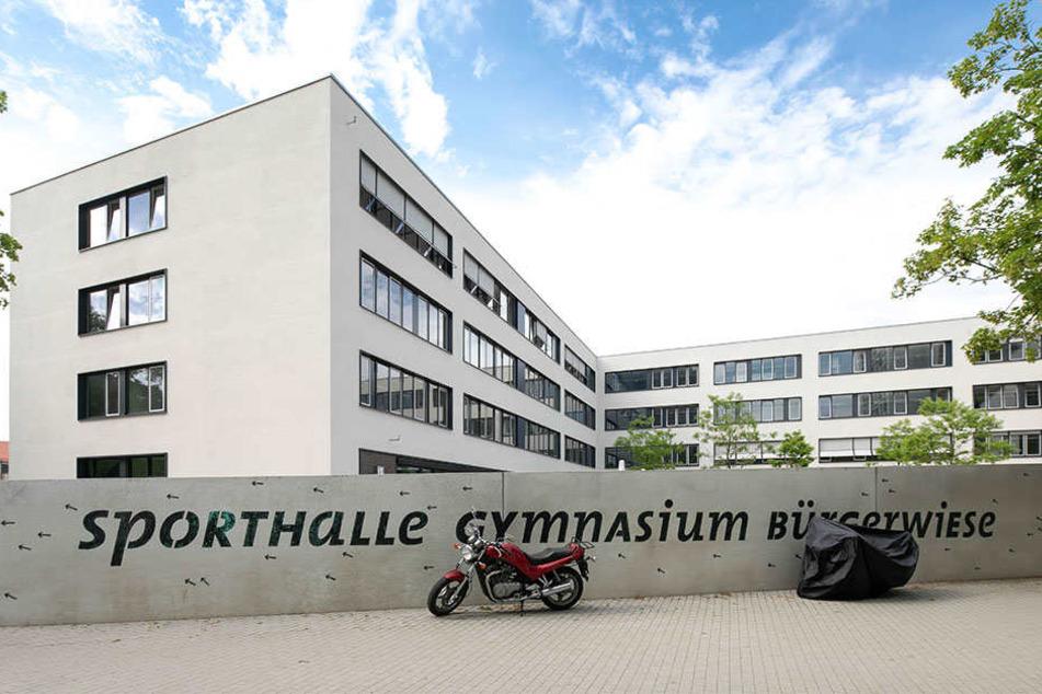 Die Jalousien lassen sich nicht steuern, auch die Lüftung funktioniert nicht: Die Technik im Gymnasium Bürgerwiese streikt.