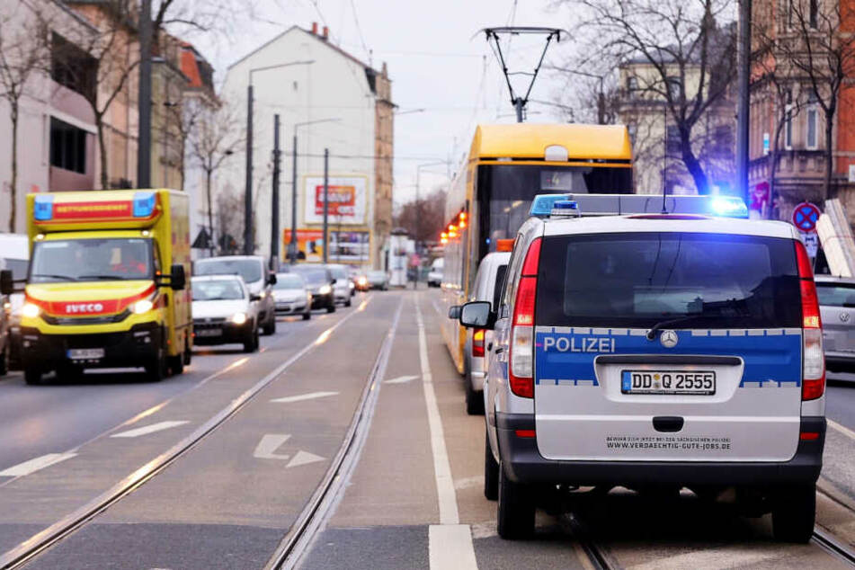 Polizei und Rettungswagen mussten auf die Leipziger Straße ausrücken.