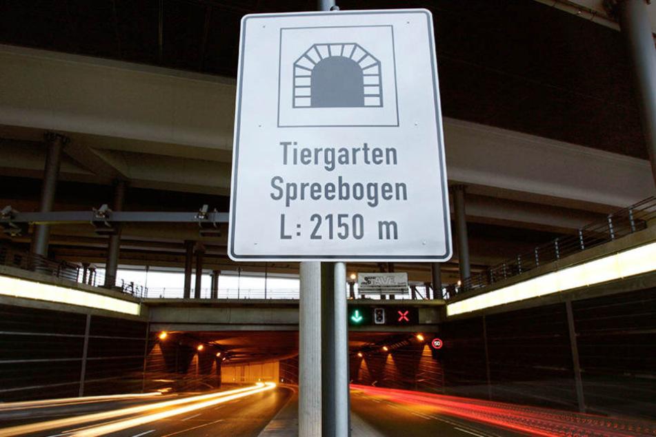 Der Tiergartentunnel am Hauptbahnhof wurde am Donnerstag gesperrt.
